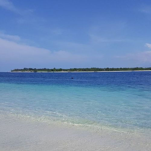 Crystal clear waters of Gili Islands Gilitrawagan INDONESIA Beach Paradise Lovebeingabeachbum Nofilter
