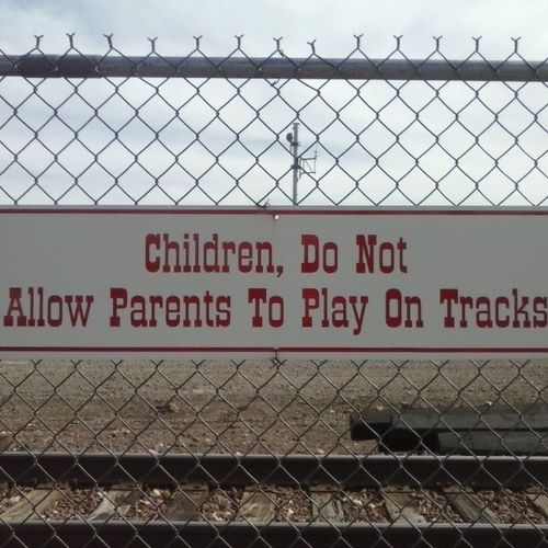 Lol funniest sign I've seen out here YET. Railroad Funnysigns Williamsarizona