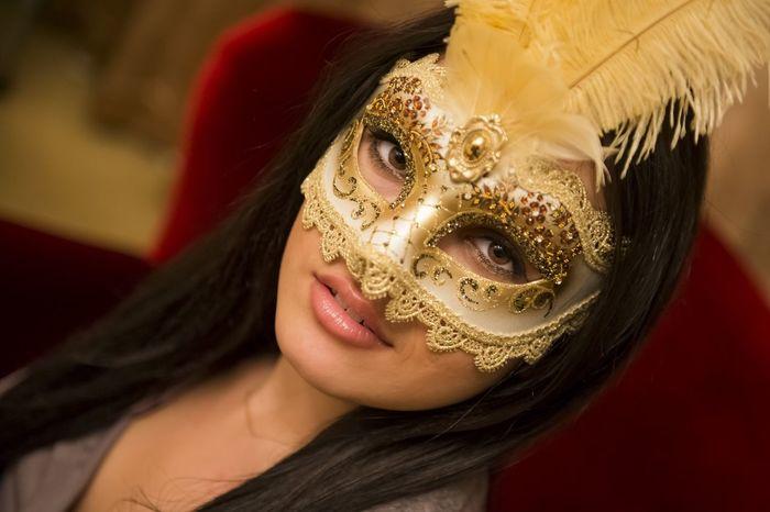 Alsancak - İzmir / Turkey Woman Beautiful Mask Today's Hot Look