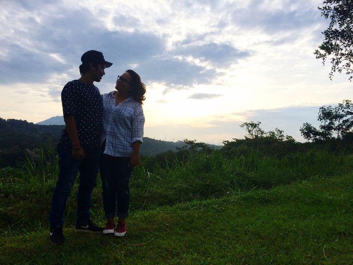 Senja sore di Bukit Pelangi Ootd Popular Photos Couple Indonesian Light And Dark Love Rainbowhills Sentul Ambonmanise Molucans