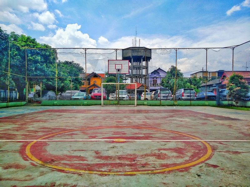 Cloud - Sky Sky City Building Exterior Architecture Outdoors Travel Destinations Tree Day No People Basketball Court Courtyard  Footsal