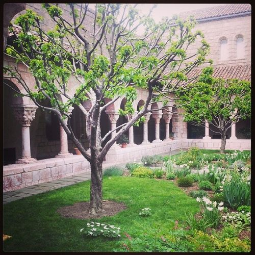Springtime at Thecloisters Gardens Art Museum arches likeeurope churches culture