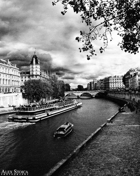 Seine Seineriver Blackandwhite Blackandwhitephotography Boat Cruise Art Photography Photooftheday Paris Copyright