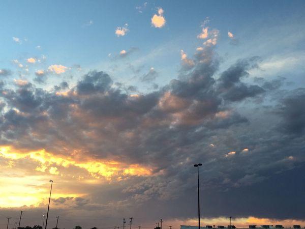 Beautiful sky☀️☀️☀️☀️☀️☁️☁️☁️☁️☁️love so much. Sky Lovelife Portales ENMU