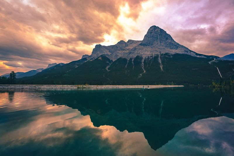 Two tone Photooftheday Photo Nature Mountains Canada Photography Banff  Sky EyeEm Nature Lover EyeEm Selects EyeEmNewHere EyeEm Gallery Water Sky Mountain Beauty In Nature Reflection Nature Lake Travel Destinations Dramatic Sky Sunset