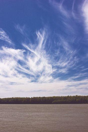 Дунай река Измаил Румыния граница вода небо голубой облока