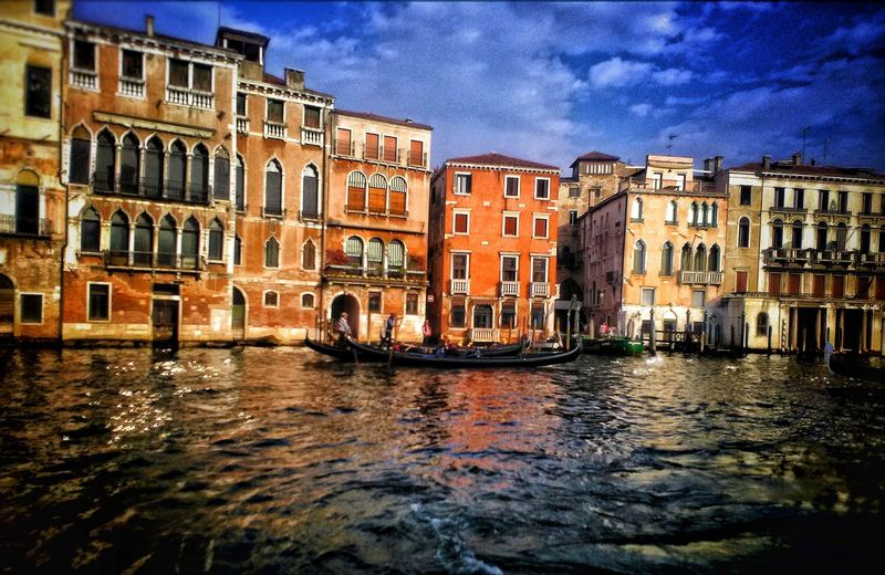 Architecture Building Exterior Cloud - Sky Venezia Picoftheday Photography Venice, Italy Italy❤️ View Point Vacanza Fotografia Vacations Travel Landscapephotography RomanticMoment PicturePerfect Venise Venezia Venice Sky Venezia Venice Photooftheday Water Built Structure Waterfront Rippled Outdoors