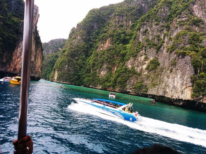 Thailand #travellife #backpacker #beautiful #ontheroad #instatravel #photography #photographer #sonya6000 #actioncamera #hostellife #krabi #waterfull #waterfalls #thebeautyofthailand