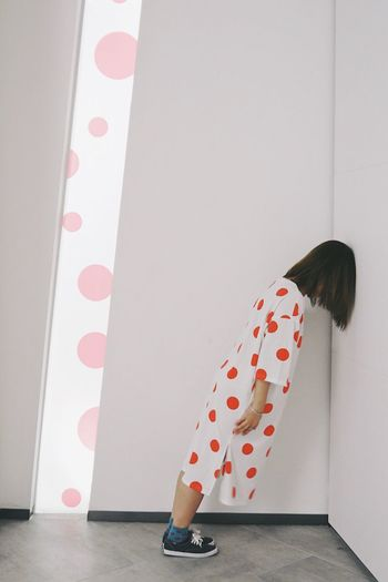 Slash  Dots Yayoi Kusama Indoors  Wall - Building Feature Polka Dot Pattern Pink Color Still Life Red Fashion Creativity Visual Creativity 17.62°