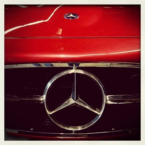 Oldtimer Mercedes Red Retro