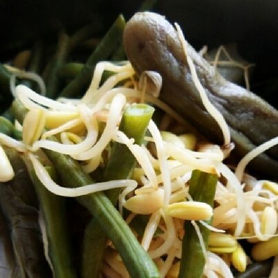 Ulam-ulaman (lalapan). @acmiid @williamwongso @santhiserad @jasminenoor Localfood Localdelicacy Seleraasal Culinary discoverindonesia foodporn traditionalfood indonesia instanusantara