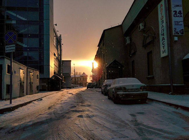 markgrant999777@ Nexus 5 Wet Architecture Building Exterior Cold Temperature Night City Snow Sunset Winter Sky Snowing First Eyeem Photo Shades Of Winter