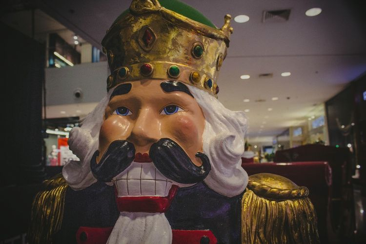 Arts Culture And Entertainment Creativity Crownroyal Dummie Dummy EyeEm Best Shots EyeEm Gallery Human Representation Indoors  King Sculpture Statue King Statue King Doll Doll Of A King