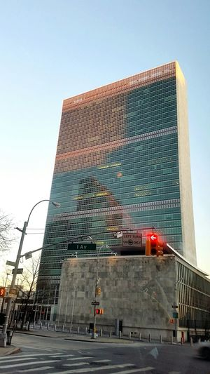 United Nations Architecture East Side Winter Taxiride