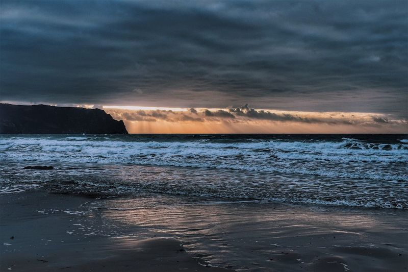 Merry Christmas everyone this is how I spent my morning with a cup of mulled wine and a bacon sandwich in hand alongside the best dad in the world. I hope everyone had a wonderful day. Power In Nature Storm Cloud Idyllic Outdoors Sand No People Tranquil Scene Dramatic Sky Sunrise Cornwall Horizon Over Water Water Beach Tranquility (null)Wave Scenics