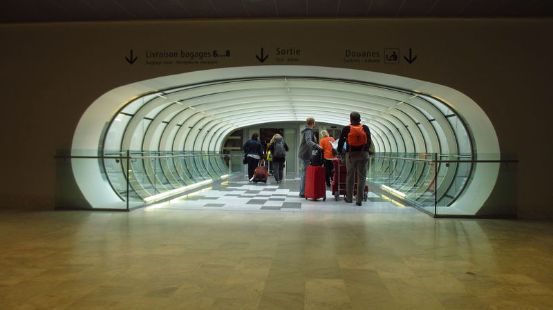 Traveling Airpot Arch Architecture Built Structure Indoors  Real People Suitcase