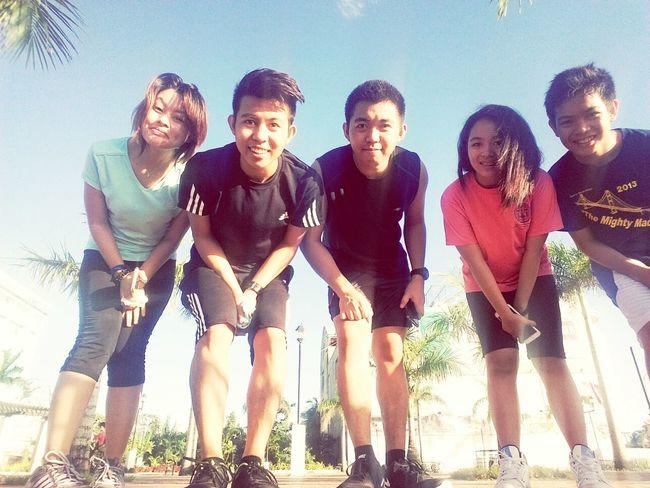 Hi! People Mobilephoto Enjoying Life jogging at Iloilo Esplanade.. Iloilo City Phils.