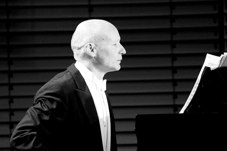 Piano Moments HUAWEI Photo Award: After Dark