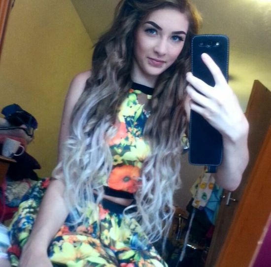 I love my twin sets so much :D Daniellehuntbespoke Flowers Ombre Hair Long Hair Alternative Piercings Ootd Me