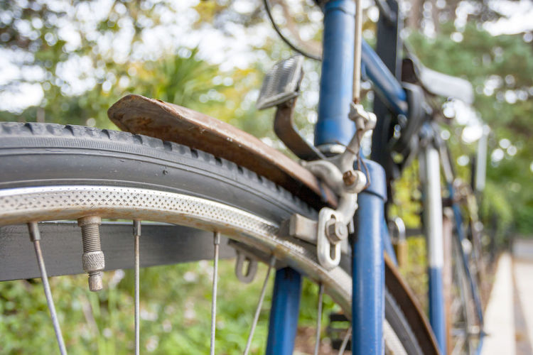 Close-up of a vintage old blue bike Bicycle Bike Focus On Foreground Wheel Close-up Low Angle View Land Vehicle Mode Of Transportation Nature Outdoors