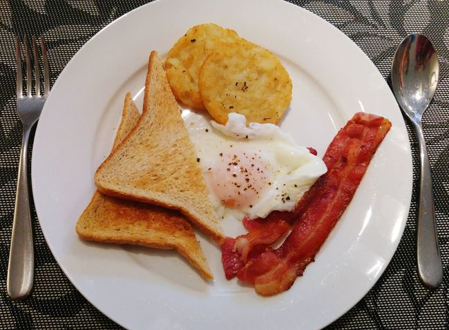 Breakfast ♥ Bacon Hashbrowns Toasts Bacon And Eggs With Toasts And Hashbrowns