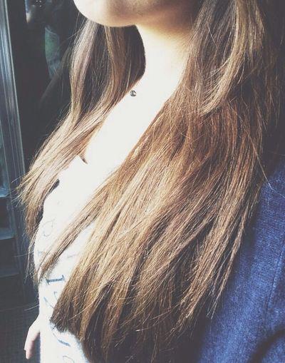 Long Hair Brune Hello World Holiday