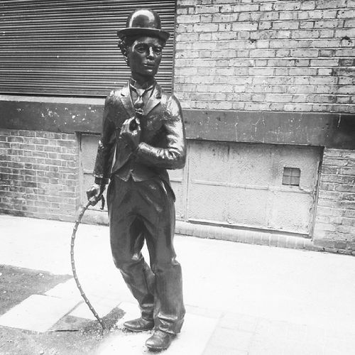 London Uk Leicester Square Statue Sculpture Charlie Chaplin Comic Genius Legend Iconic Silent Movies Bronze Cane Tophat Tails Hollywood Black_white Bw HTC_One