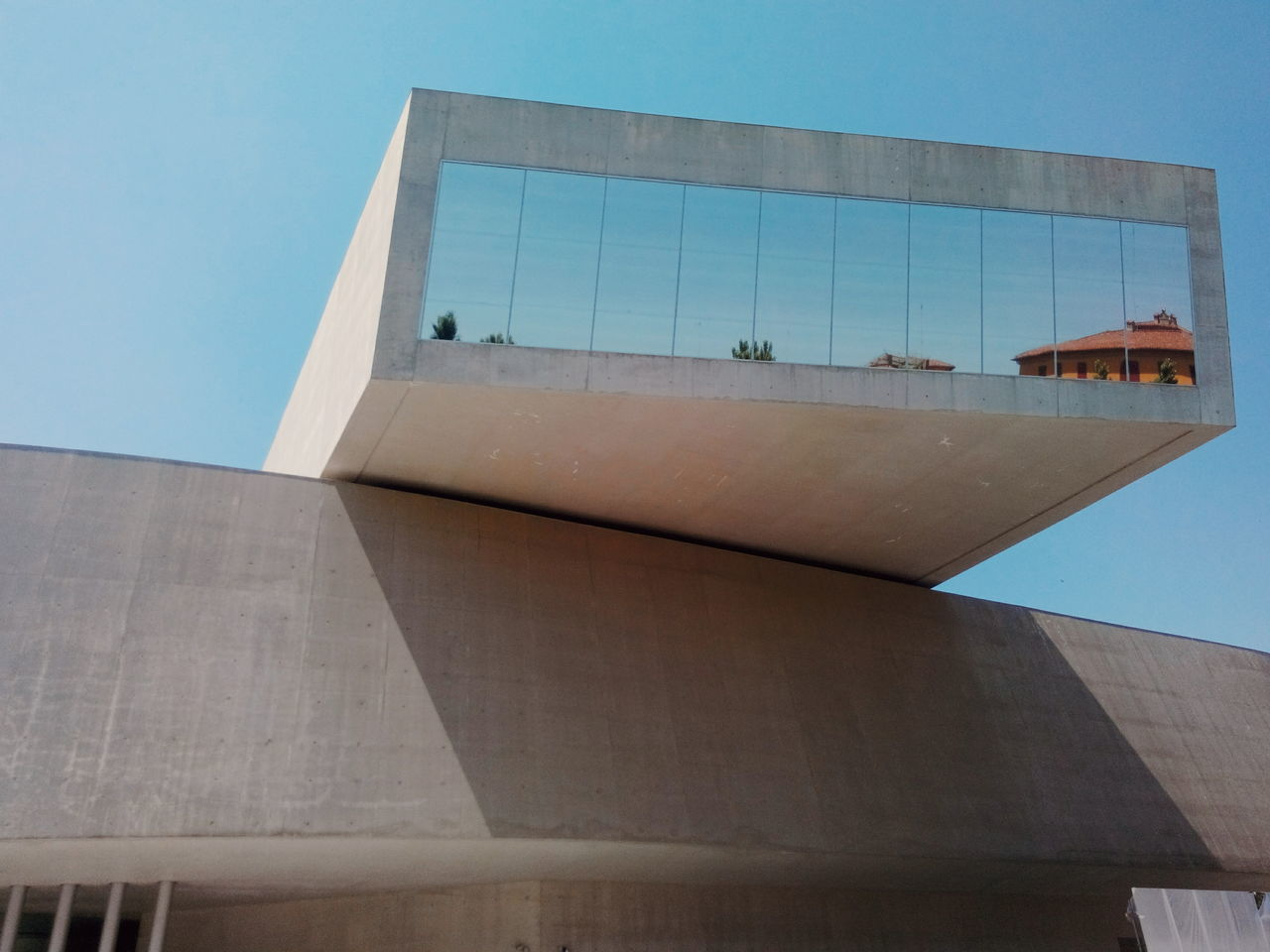 architecture, built structure, building exterior, low angle view, day, no people, outdoors, clear sky, sky