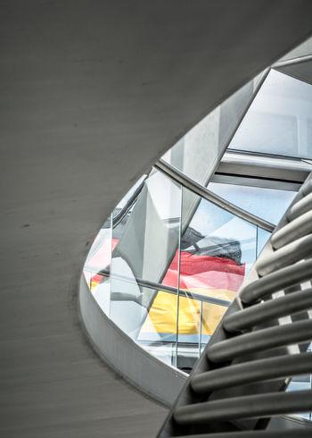 Architecture Architektur Berlin Beton Bundestag Concrete Deutsche Flagge Deutschland Flag German Flag Germany Glass Glass - Material Reichstag Reichstagskuppel Sky Stahl Steel
