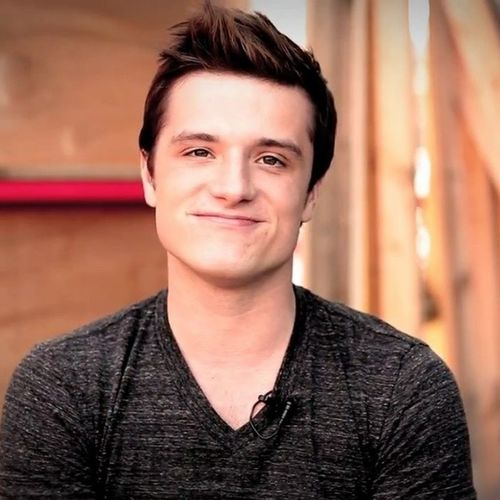 Him Omfgggg Joshhutcherson Forlifeandbeyond mineminealwaysdibsisn'thecutee?¿lovehimmostfollowmeguysjoshflab<3