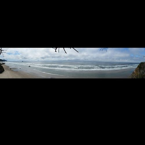 Here, enjoy a panorama of the beach from a cliff on a trail in the forests of Oregon. If only instagram could display panaromas zoomed in Memorialday2k15 PNW Letsgotothebeachbeach