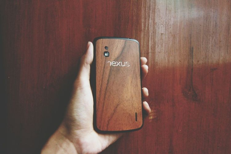 Onto The Woods. My nexus 4 with natural wood skin. Nexus 4 Wood Wood Green Natural Wood