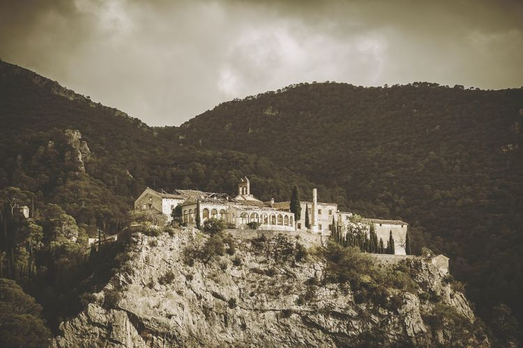 terror into abandoned old spa Abandoned Abandoned Places First Eyeem Photo Eye4photography  Mountain View Catalonia Old Buildings Old Building  Terror Dramatic Sky Dramatic Drama Dramatic Colours Abandoned Places Abandoned House Phantom Unsaturated Mountain Landscape