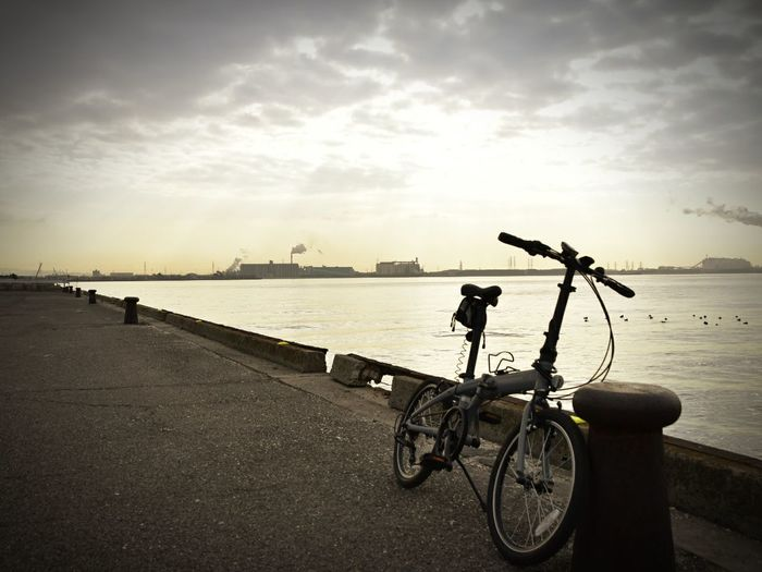 アウトレイジ最終章ロケ地 半田市十一号地 衣浦港 衣浦湾 ミニベロ 折りたたみ自転車 フォールディングバイク Harbor Harbor View Bicycle Minivelo Foldingbike Japan Japan Photography Nikon Nikonphotography