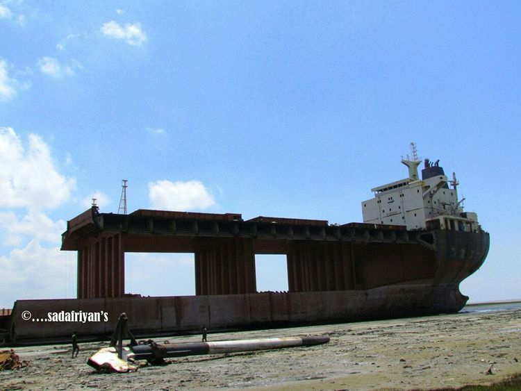 At shitakundu,chittagong,bangladesh.... Shipwreck Shipyard TODAY'S MY WALLPAPER Taking Photos On The Beach Check This Out Reality Daily LifeDaily LifeDaily LifeDaily LifeDaily Life