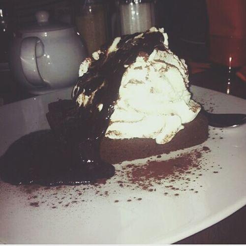 Taking Photos Relaxing Enjoying Life Food Porn Pause Cake Chocolate Dessert Good Evening 😍 Come mantenersi in forma ⚠😏