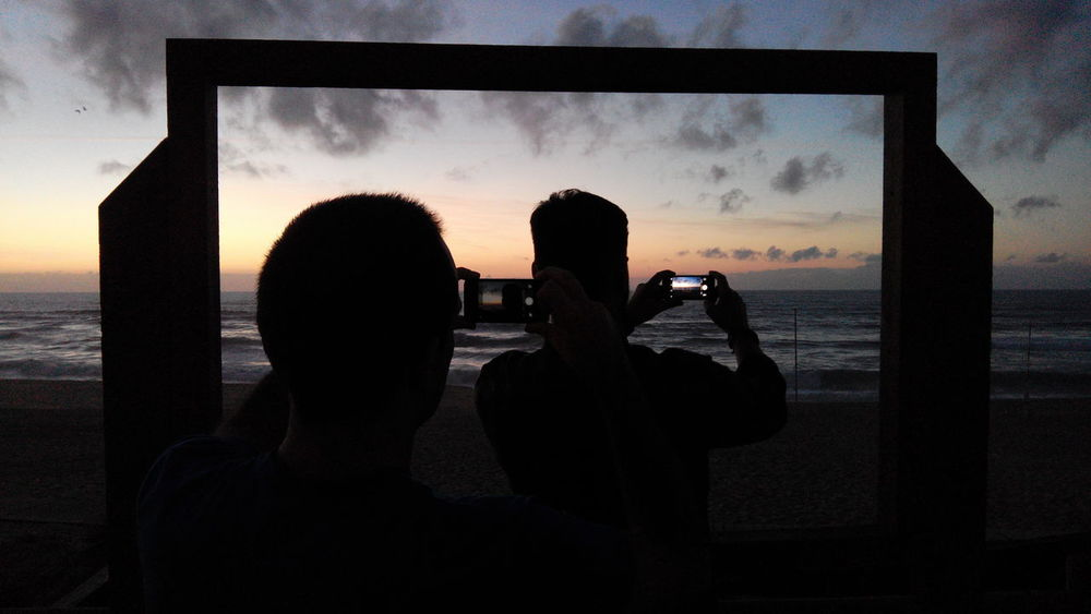 Silhouette Sea Sunset Men Water Sky Cloud - Sky Pictures Picture Of People Taking Pictures People Silhouette Pictureoftheday Window