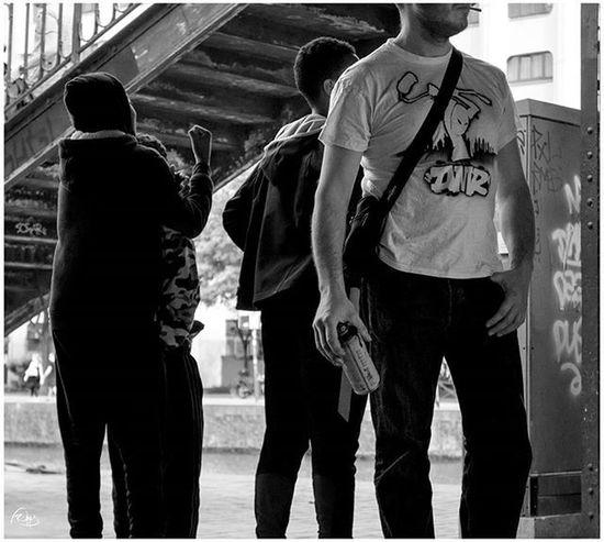 Photography Blackandwhite Photographyblackandwhite Paris Festiwall Sprayart Spraycans Spraydaily Cans Rsa_graffiti DSB_GRAFF DopeShotBro Graff Graffart Graffiti Grafflife Graffporn Graffitiworldwide Walls Murals Paris