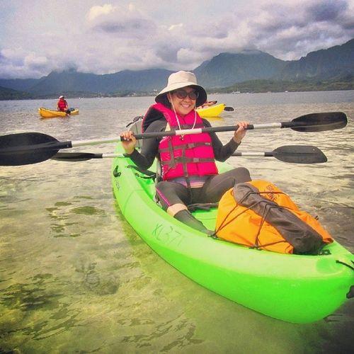 Having fun under the sun ☀ ?Kayakingtrip Paddling Lifeisgood Kayakingadventures tandemkayak hawaiilife bluesky kayaking luckywelivehawaii 808 sundayfunday
