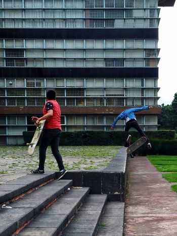 Two Is Better Than One Two Two People Two Guys Patineta Playtime Acrobat Acrobatics  Acrobacias Youth Of Today Ciudad Universitaria