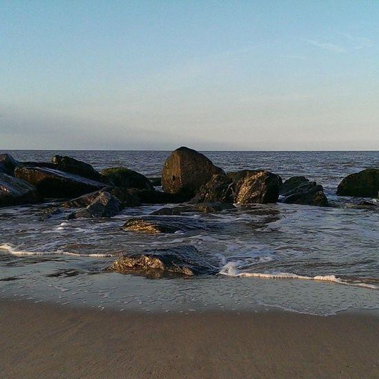 Nofilters Caister Caisteronsea Seaside sand rocks tide sky blue bluesky beach htcone htc1 springevening spring