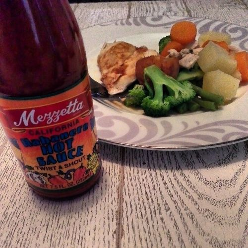 Habanerohotsauce to compliment my Lunch Eat Yo! Boost your Metabolism Fitfam
