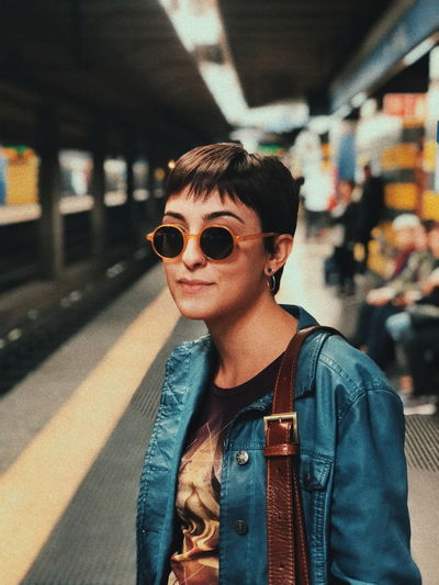 Hair Light Metro Casual Clothing Color Day Girl Leisure Activity Lifestyles Looking At Camera One Person Oufit People Photography Portrait Real People Subway Sunglasses Young Adult Young Women