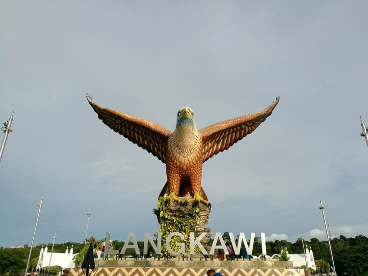 Langkawi Eagle EyeEm Selects Statue Sculpture History Memorial Outdoors Day Nature