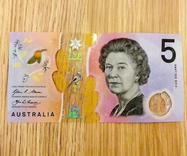 Five Bucks FiveBucks One Person Headshot Face Taking Photos Australia Royalty Royal Person The Queen Cash $5 Five Dollars FiveDollarBanknote Thequeen Plastic Banknotes PlasticBanknotes Australianmoney Australian Money PolymerBanknotes Polymer Banknotes Australian Currency AustralianCurrency HRH👑 H.R.H. Close-up Money Western Script Currency Text
