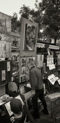 Montmartre Place Du Tertre Peintre Peintures Streetphotography Street Photography Streetphoto_bw Blackandwhite Photography Blackandwhite Black And White Paris Paris ❤ Monochrome