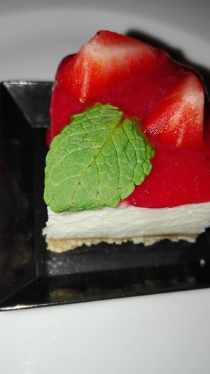 No Filter, No Edit, Just Photography Food Sweet Food Food And Drink Morangos Cheese Cake Straberry Strawberries Strawberry Cake
