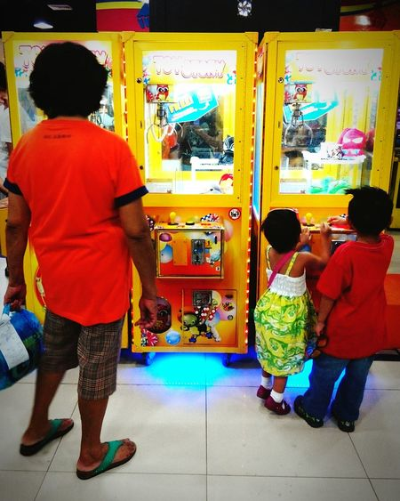 Generation Gap Arcade Arcade Games Philippines <3 Arcade Machine Kids Kids At Play Children Playing Grandma Grandparents Grandparent Love Tagum Tagum City Tagumcityphilippines