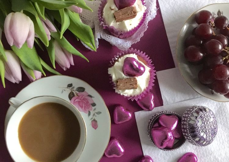 Mothers Day Gift . * Mothersdaytreat Pastel Colors Speacialday Tulips🌷 Feminine  Hot Tea You Are Special Home Cupcakes Foodphotography Chocolates Perfume Flowers Cups And Saucers Perfumecollection MothersDayCelebration Mothersdaygifts Happy Mother's Day! Mothersdaysoon Mothers Day2016 Showcase March Celebrating Desserts Traditional