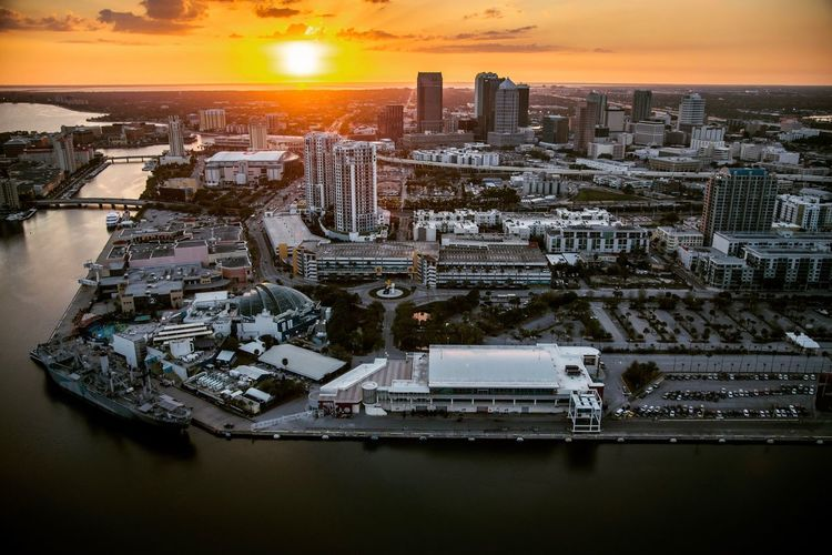 Cityscape Aerial View Sunset Architecture Skyscraper Building Exterior Travel Destinations High Angle View Outdoors Sky City Life Skyporn Urban Skyline Built Structure City Tampa Florida Florida Life Aerial Photography Aerial Aerial Shot Orange Sky Cruise Ship Port Helicopter